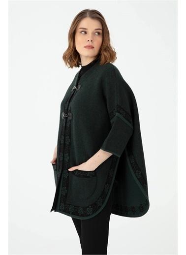 Desen Triko Kadın Kenarı Çıçek Bordürlü Pıke Jakar Dık Yaka Panço Sıyah Yeşil